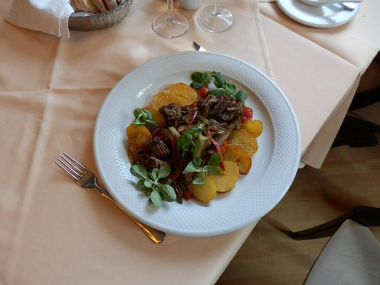 Múzeum Cafe and Restaurant : Beef hungarian style, delicious