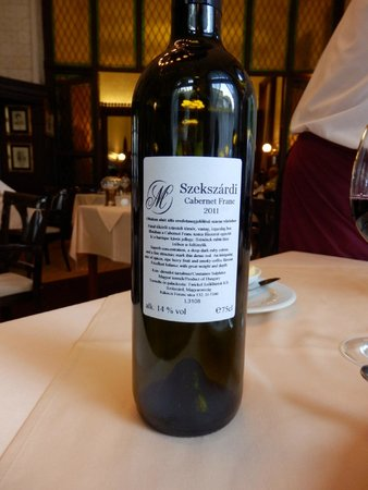 Múzeum Cafe and Restaurant : A perfect housewine