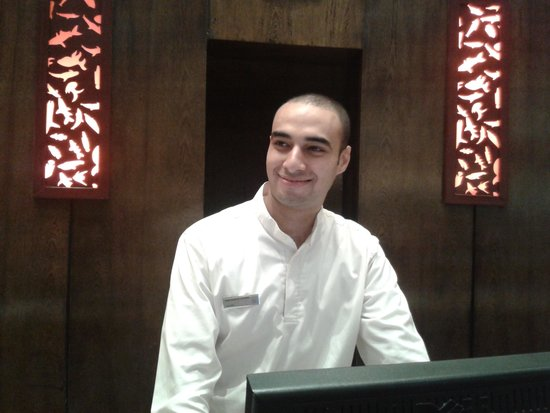 Hilton Hurghada Long Beach Resort: محمود جمال موظف الاستقبال المتميز