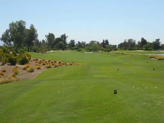 Indian Wells Golf Resort: Stay to the right
