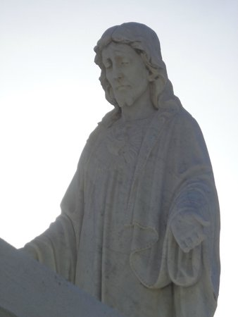 Key West Cemetery: Beautiful Statues fill the cemetery