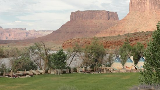 Red Cliffs Lodge: Red Cliff Lodge View