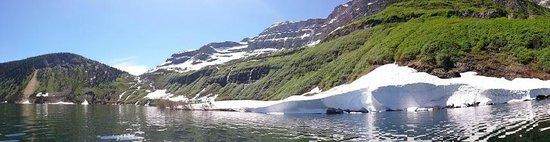 Cameron Lake : Beautiful Snow