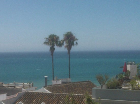 Hotel Plaza Cavana: View of sea from rooftop pool area