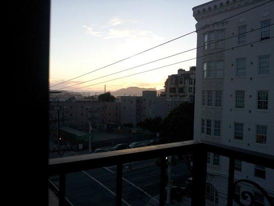 da Vinci Villa : Man kan se en skymt av Golden Gate-bron när det inte är dimma