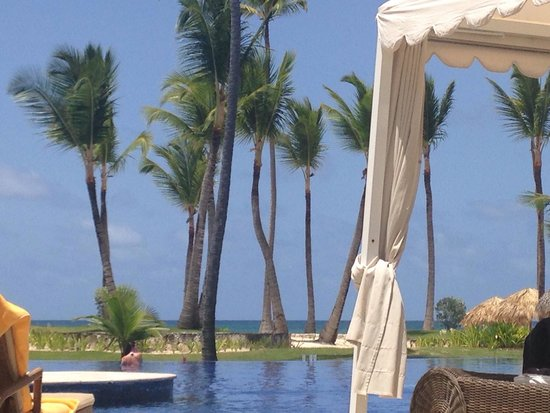 Iberostar Grand Hotel Bavaro : View from our sun bed.