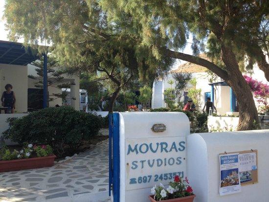 Mouras Studios: dalla strada