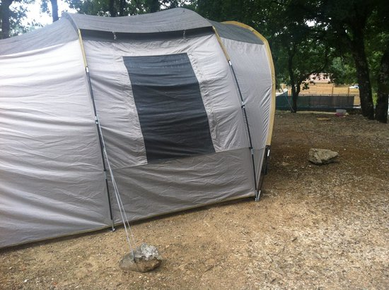 Camping Campéole Les Reflets du Quercy : Impossible de planter sa tente !