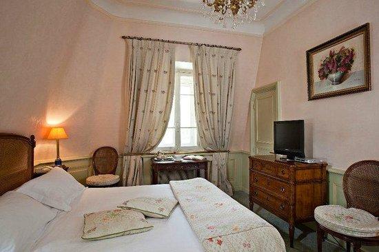 Hostellerie les Frênes : chambre 2