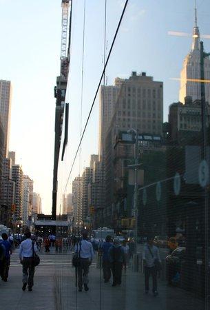New York City Photo Safari : Empire Refelctions