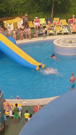 Ohtels Belvedere : Inflatable slide