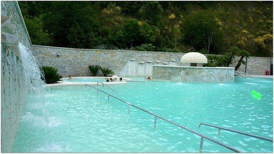 Piscina foto di complesso termale vescine castelforte - Suio terme piscine ...