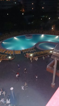 Ohtels Belvedere : Pool at night
