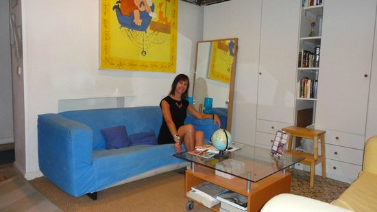 Alvaro Residencia: sala de estar. Pode usar o computador