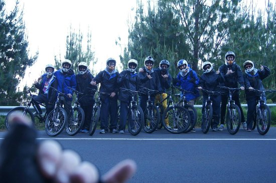Haleakala Bike Company : Corey took some awesome photos of the group...with his own spin!