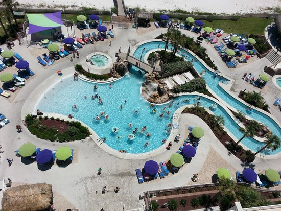 Holiday Inn Resort Pensacola Beach: Gorgeous pool area