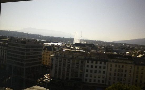 Cornavin Hotel Geneva: The jet d'Eau