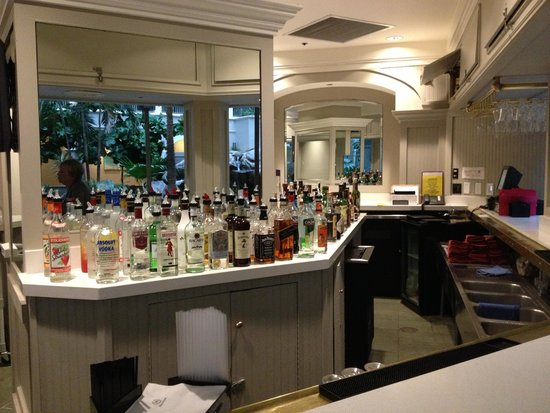 Sheraton Suites Cypress Creek Ft. Lauderdale: BAR