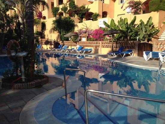 Muthu Grangefield Oasis Club: Skøn pool og fantastisk frodighed