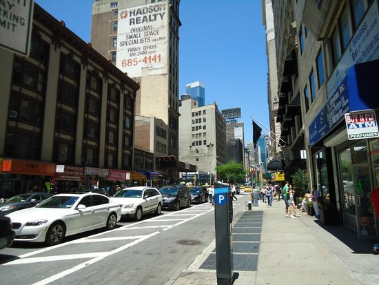 Broadway Plaza Hotel : Broadway ao redor do hotel