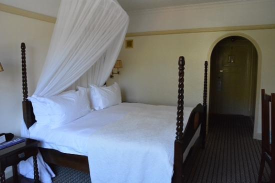 The Victoria Falls Hotel: Room 147