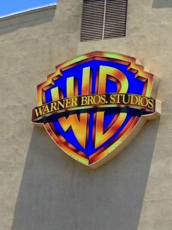 Warner Bros. Studio Tour Hollywood : WB Studio Logo