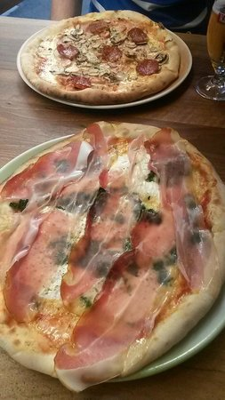 Pizzeria Galija: Delicious pizza!