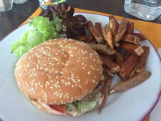 "Restaurant du Man : burger classique et frites ""home-made""!"