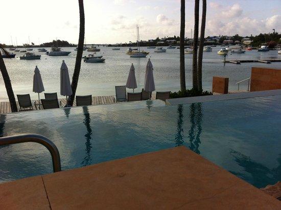 Cambridge Beaches: Infiniti Pool