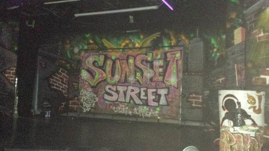 Sunset Royal Beach Resort: Urban show