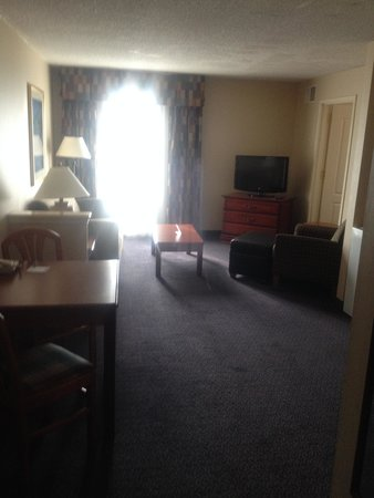 Holiday Inn Express Reading: Living Room Area- King Suite