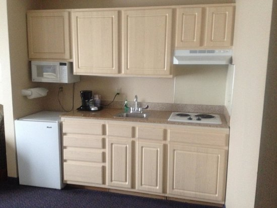 Holiday Inn Express Reading: Kitchenette- King Suite