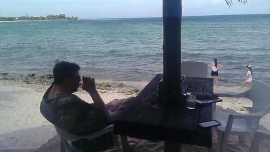 La Buena Vida: Ocean view seating