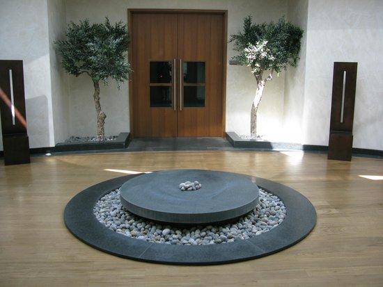 Hilton Vilamoura As Cascatas Golf Resort & Spa: Entrance to Spa Treatment Rooms