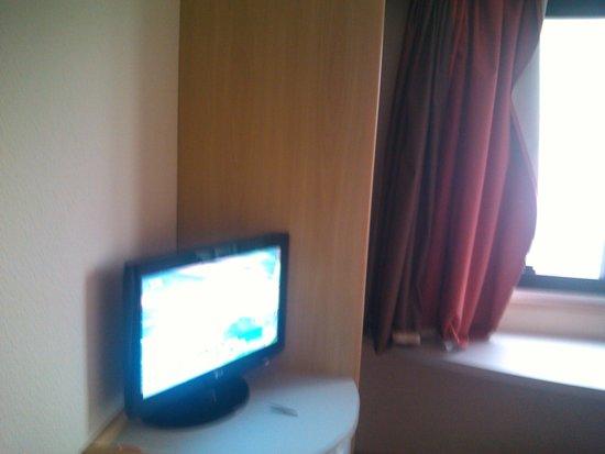 Ibis Taubate: TV