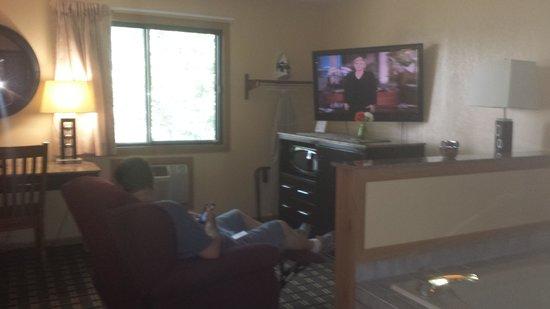 Heartland Inn - Coralville : rm 234 tv/jacuzzi
