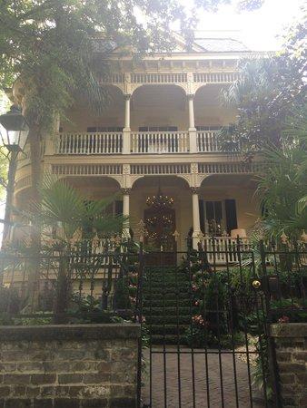 Savannah Historic District: Love