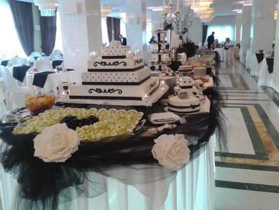 Grand Hotel Nastro Azzurro & Occhio Marino Resort: Theme night buffet table.