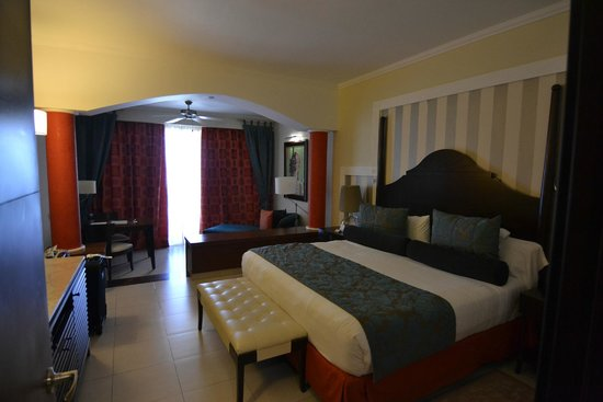 Iberostar Grand Hotel Rose Hall: Very comfy bed