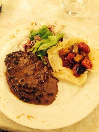 Ristorante Donatello: Steak with green peppercorn sauce