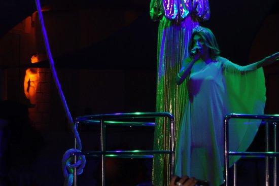 Voyage Torba: Disco Abend Show mit Soprano einlage