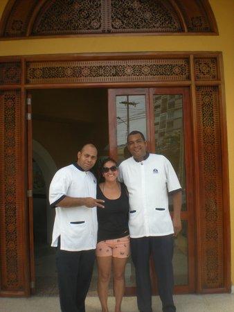 Hotel San Martin Cartagena: Entrada del hotel con Cesar :)
