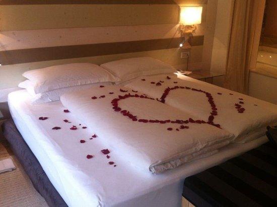 Hotel & Spa Rosa Alpina: dettaglio letto
