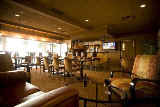 Coast Discovery Inn : D.I. Lounge