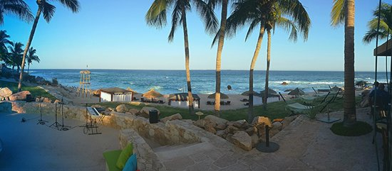 Grand Fiesta Americana Los Cabos All Inclusive Golf & Spa : From the adult pool area / fire pit looking to the sea