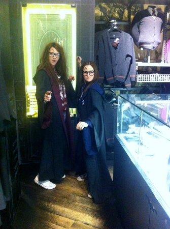 Warner Bros. Studio Tour London - The Making of Harry Potter: slightly fanatical fans