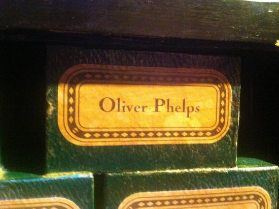 Warner Bros. Studio Tour London - The Making of Harry Potter: oliver phelp's wand box