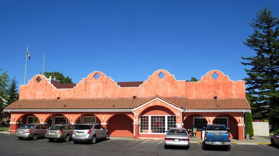 BEST WESTERN PLUS Heritage Inn : Mi Mexico right next door