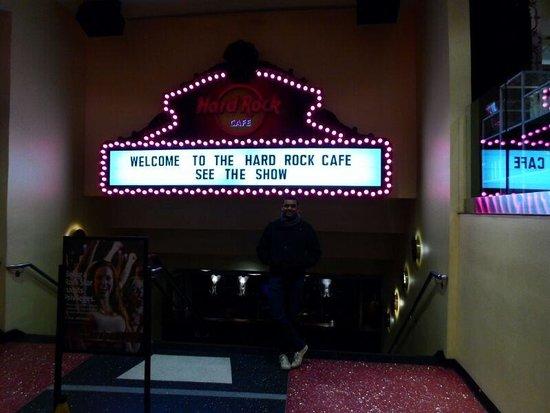 Hard Rock Cafe : Próximo a entrada