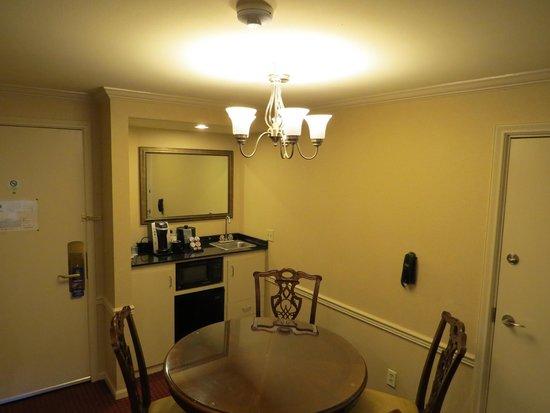 Best Western Plus Heritage Inn: Suite